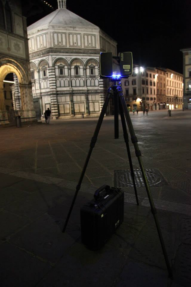 Laser scanning the Baptistery in Florence.